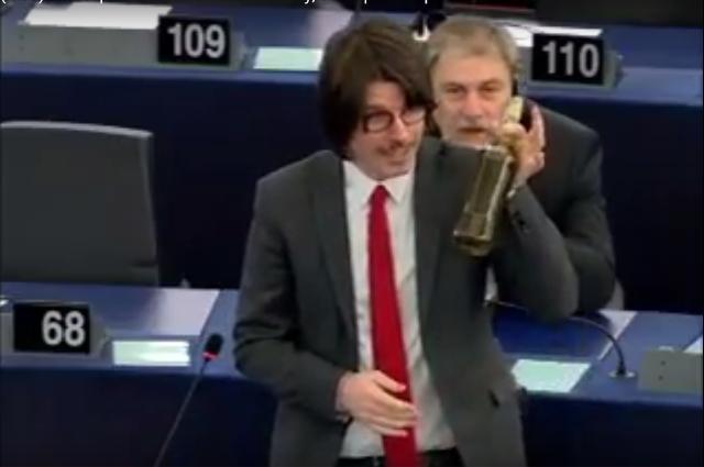 Trapaniok l europarlamentare m5s ignazio corrao porta for Numero deputati italiani