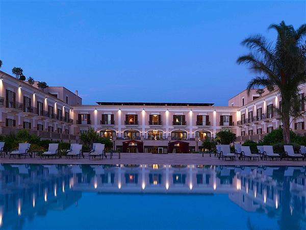 Trapaniok mazara il giardino di costanza riparte sotto il marchio blue hotels - Giardino di costanza resort blu hotels ...