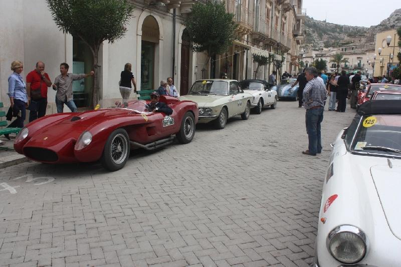 Risultati immagini per immagine giro dell etna auto storiche